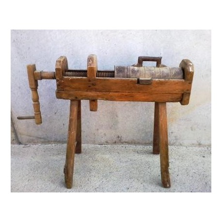 Old Stuffer made with wood